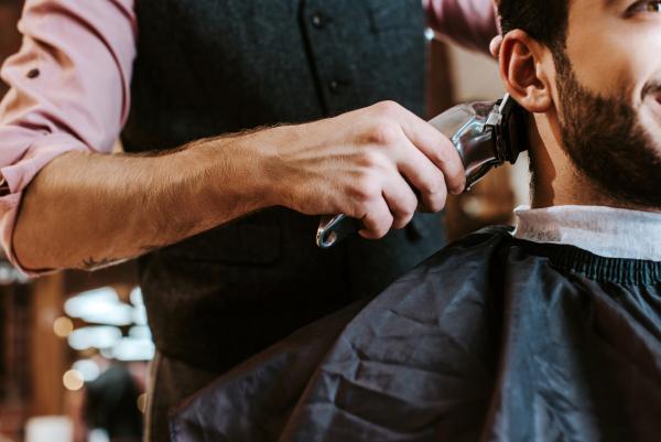 Covid-19, da Inail e Iss un documento con le indicazioni per parrucchieri ed estetiste